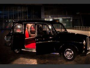Taxi anglais by night location taxi anglais événement navette nuit en tax anglais service de nuit TaxiFun black cab taxi anglais cab anglais