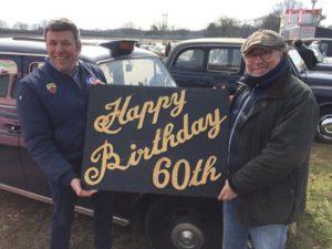 Francois Allain fête les 60 ans du taxi anglais à Linas- Montlhéry.