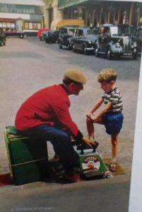 Shoe-shiner cirage de chaussure cirer les pompes garçon homme taxi anglais service