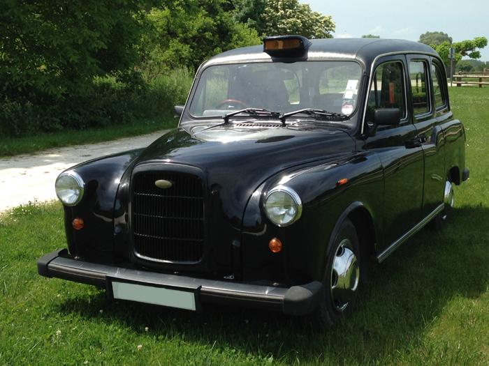taxi anglais noir Wendy TaxiFun location avec chauffeur pour tout événement