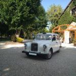 Mariage taxi anlglais blanc avec chauffeur événement voiture de mariage black cab