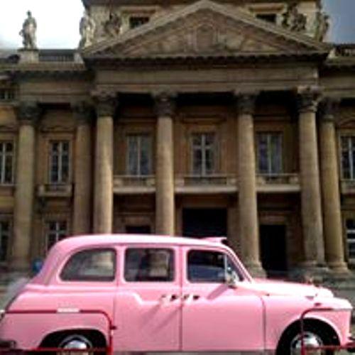 mariage en taxi anglais taxi anglais rose taxiFun location voiture de mariage avec chauffeur Paris mariage à Paris en taxi anglais Black Cab London taxi cab anglais