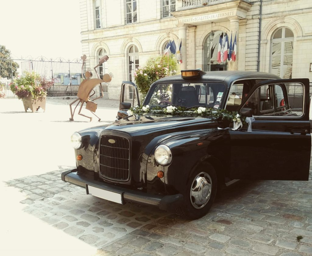 taxi anglais noir black cab mariage wedding Blois TaxiFun location voiture de mariage avec chauffeur