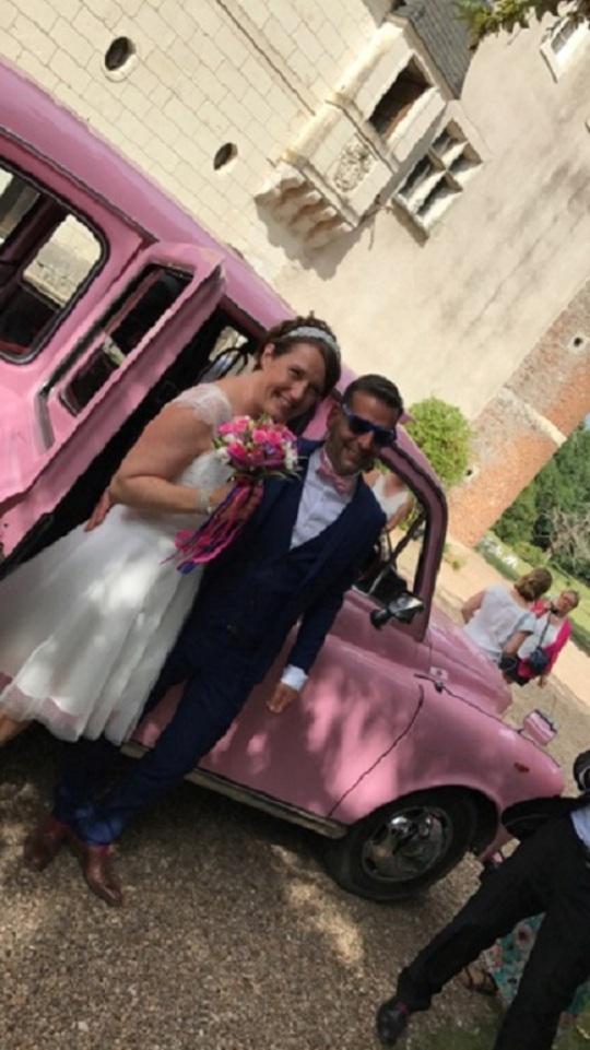 taxi anglais rose voiture de mariage