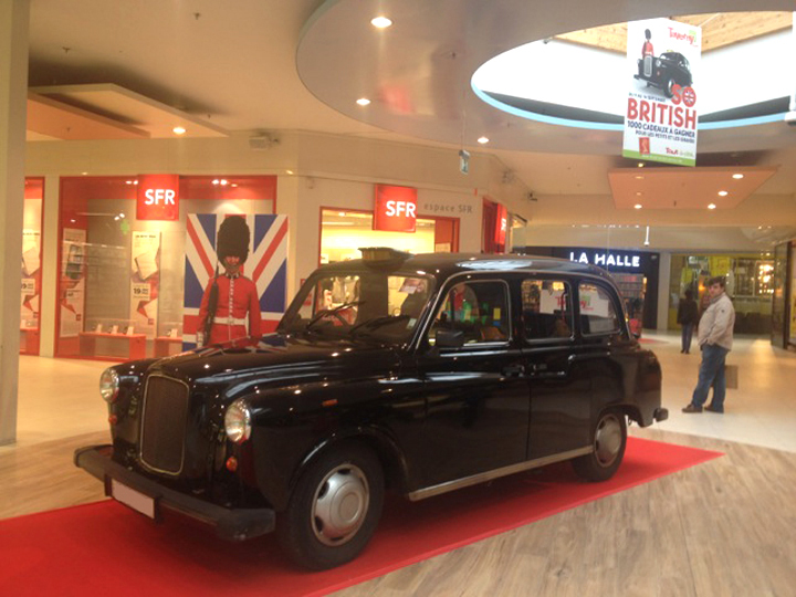 TaxiFun Actions commerciales exposition taxi anglais dans centre commercial pour semaine so british