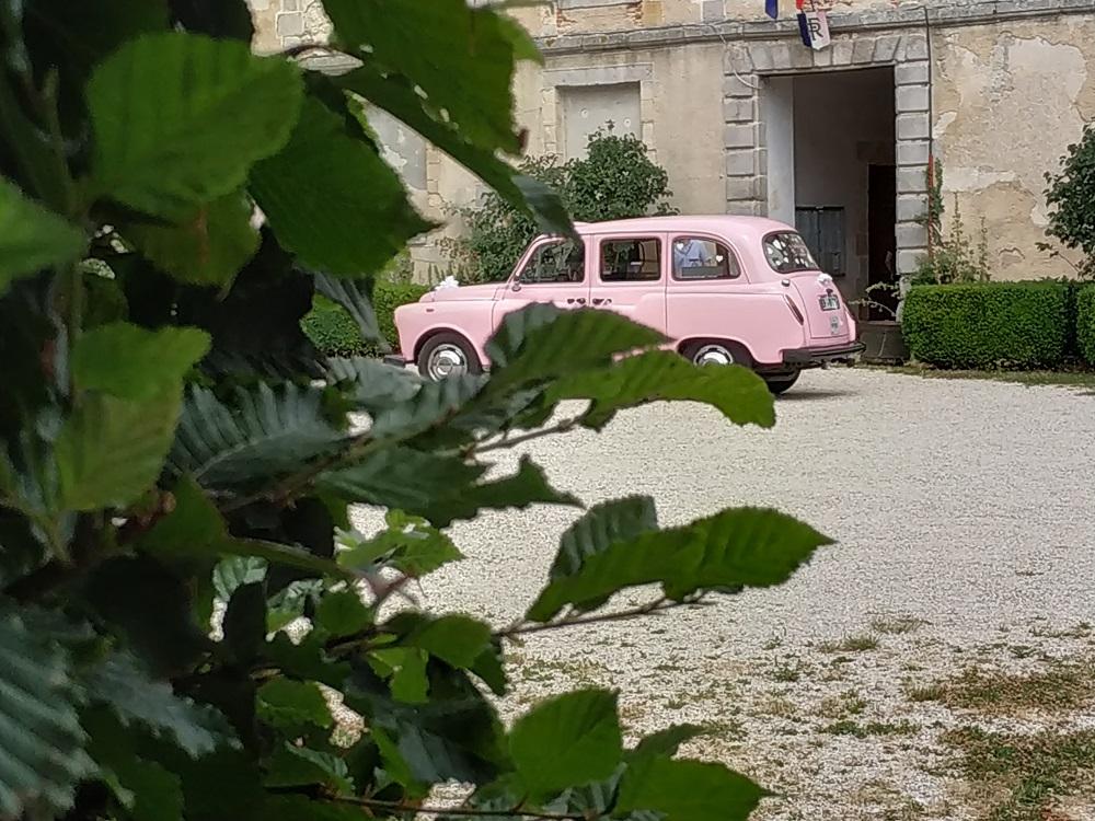 TaxiFun Mariage en taxi anglais rose