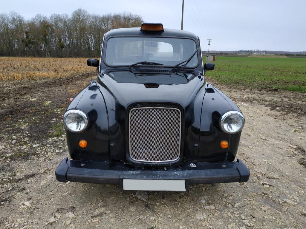 Taxi-anglais-à-vendre-chez-TaxiFunle-spécialiste-du-taxi-anglais-en-France-CGF