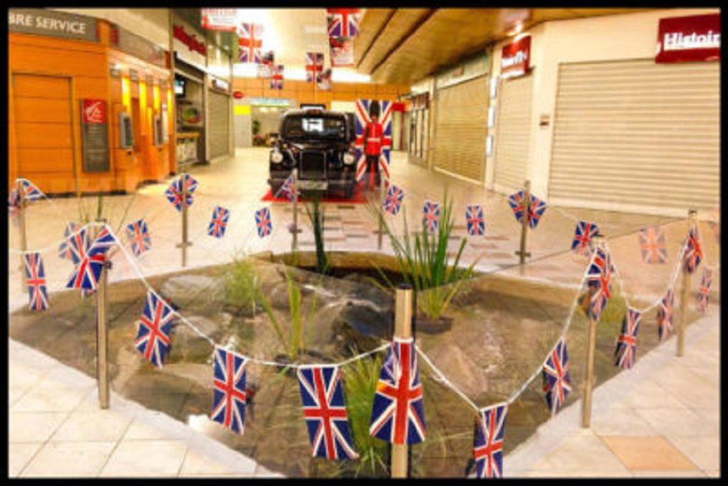 taxi anglais noir black cab exposition statique centre commercial semaines so british publicité marketing