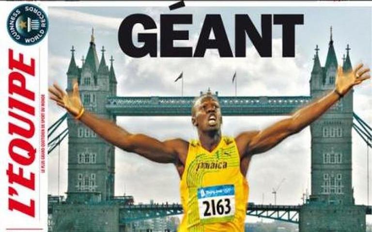 la une du plus grand journal du monde l'equipe coureur à pied arrivée sous tower bridge a londres