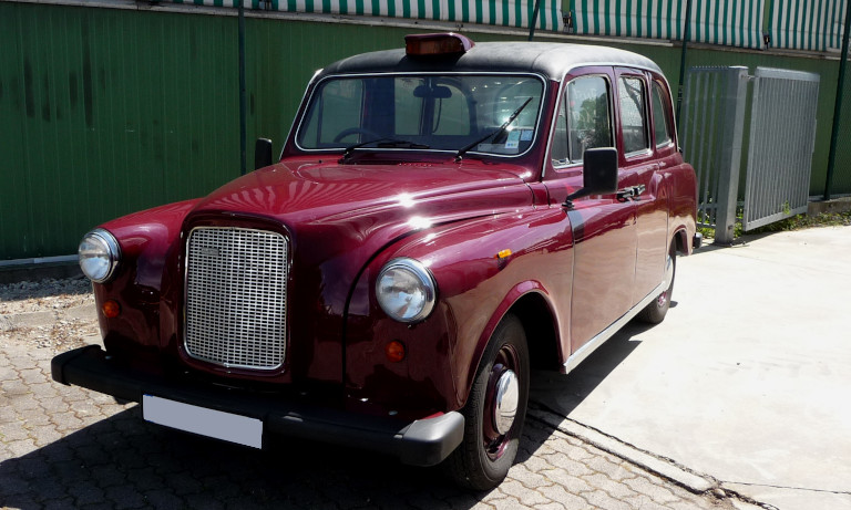 taxi anglais fairway rouge bordeaux