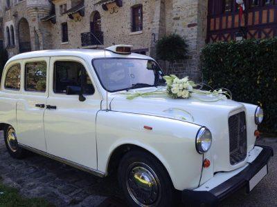 """Le """"Taxi Blanc"""" de TaxiFun décoré mariage"""